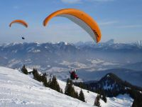 9 paragliding 3 red